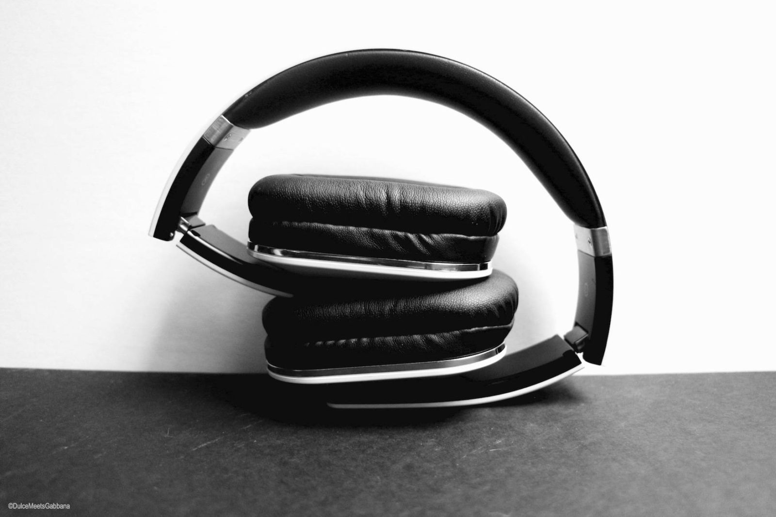 Folded_Headphones