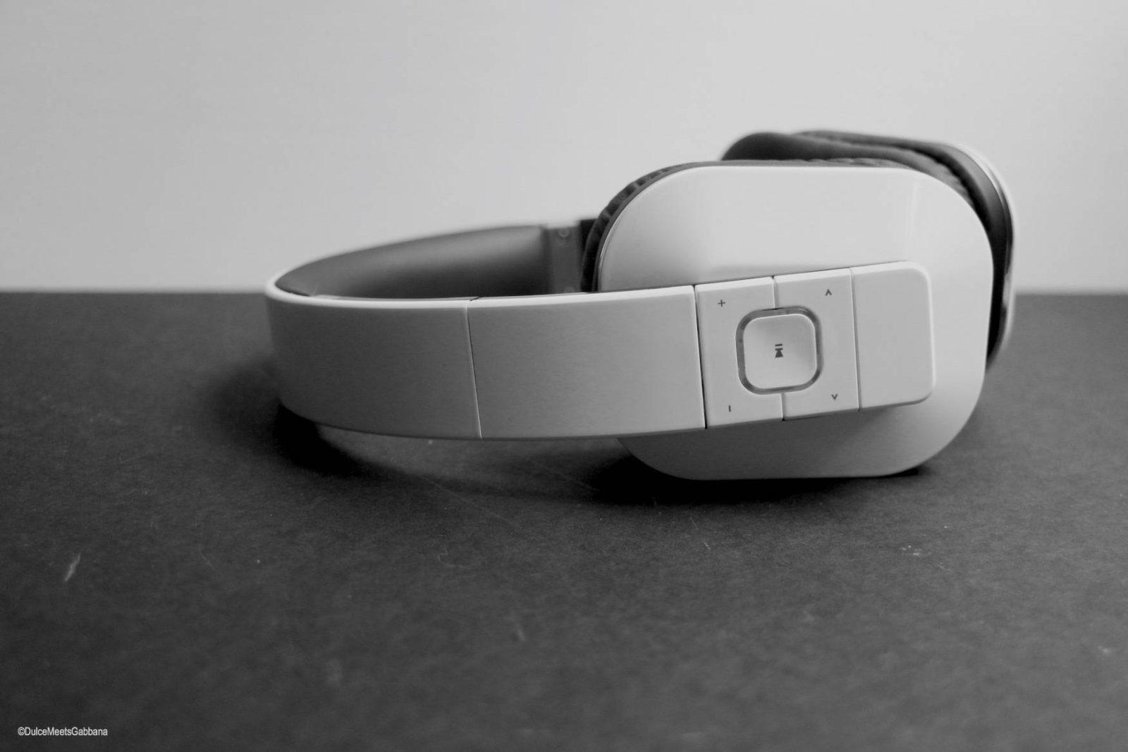 Headphones_Side
